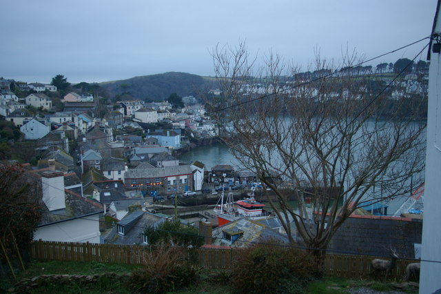 Polruan from the Hall Walk path dropping into the village
