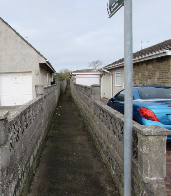 Public footpath between suburban walls, Porthcawl