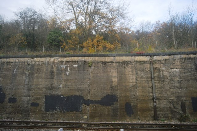 Wall by the Chiltern Main line
