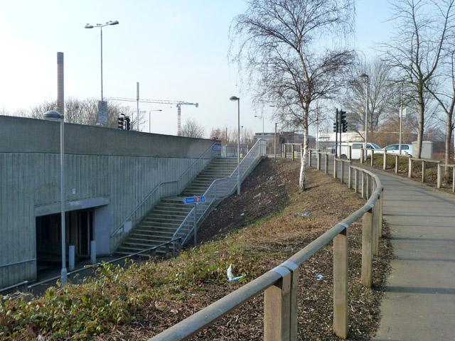 Path up to Kidbrooke Park Road