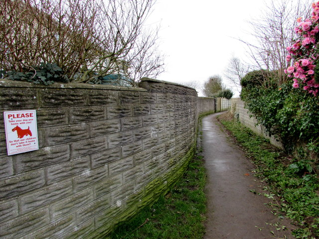 Public footpath from the east side of Anglesey Way, Nottage, Porthcawl