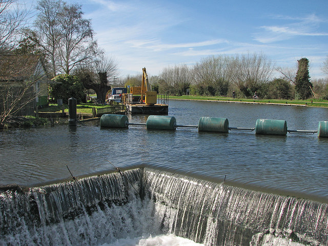 The weir at Baits Bite
