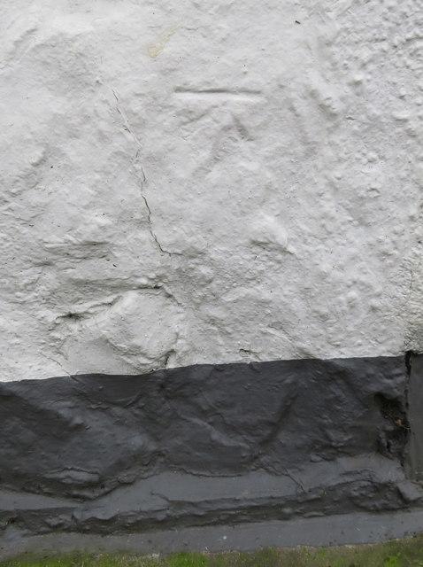 Bench mark on the Glyn y Weddw Arms, Llanbedrog