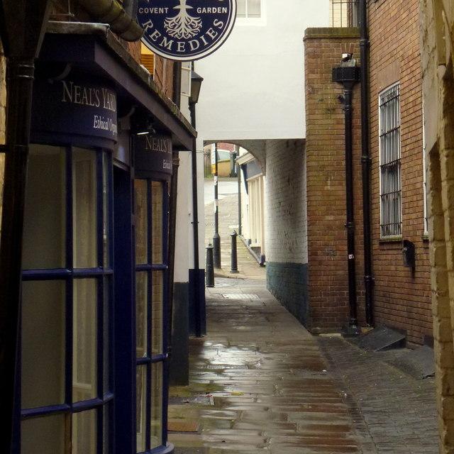A Shrewsbury alleyway