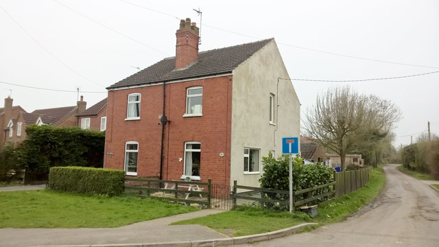 Semi-detached cottages on Sykes Lane, Saxilby