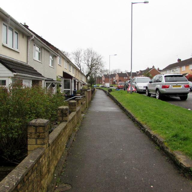 Maendy Way pavement, Upper Cwmbran
