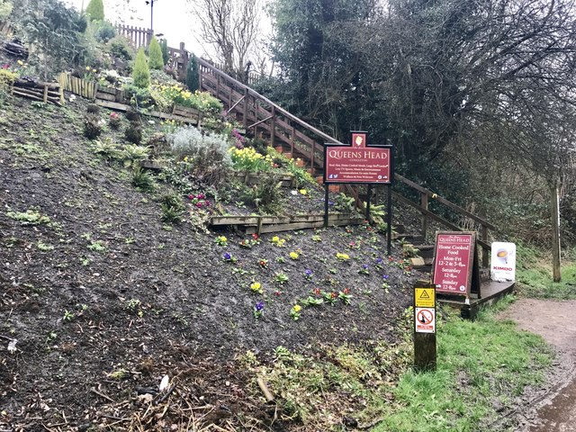 Steps up from the Macclesfield Canal to the Queens Head, Congleton
