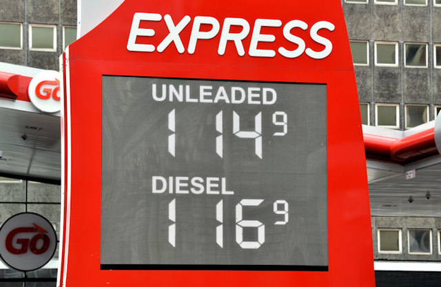 Fuel prices sign, Belfast (1 April 2017)