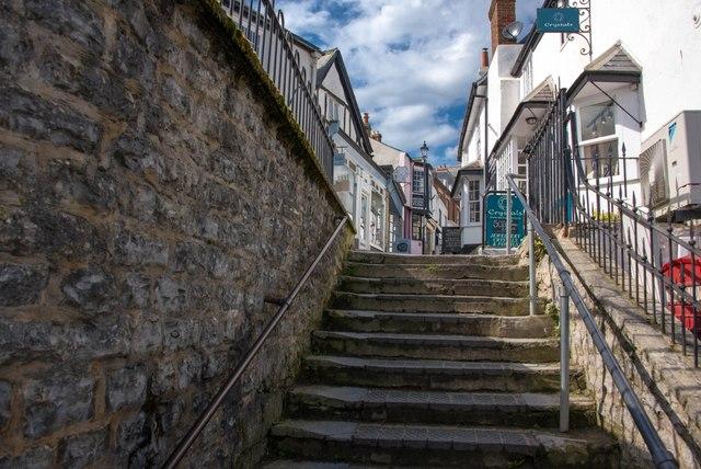 Lyme Regis: Steps leading to quaint shops