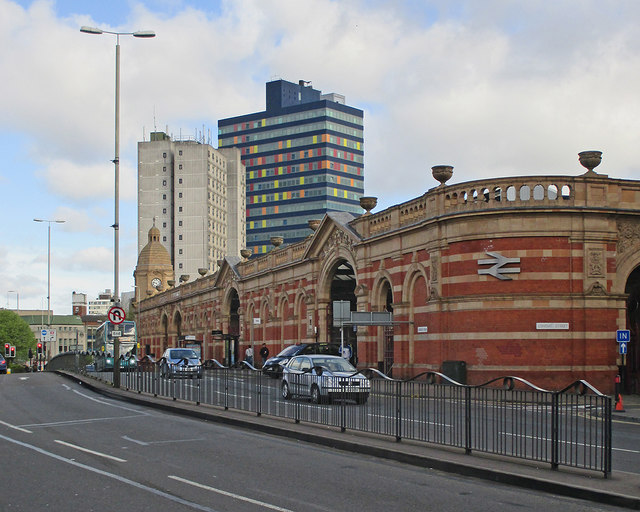 Leicester Station and London Road