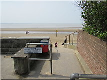 ST3049 : Path to the beach, Burnham-on-Sea by Jaggery
