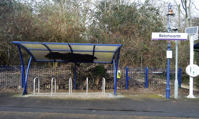 Bike shelter, Betchworth Station