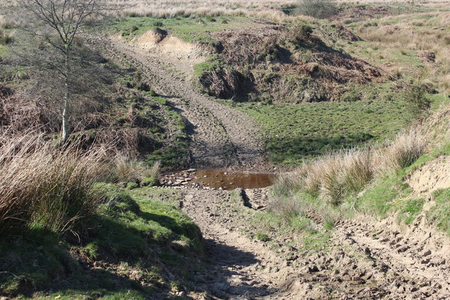Ford in shallow valley, Gelli-gaer Common