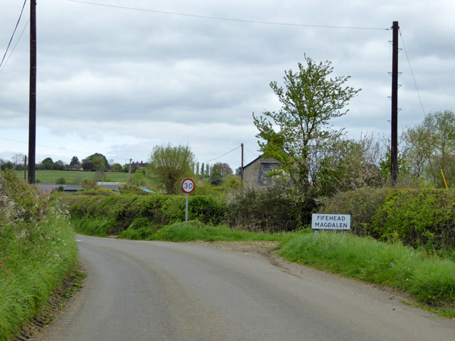 Entering Fifehead Magdalen from the south-west