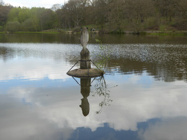 Old Hall Pond in Thorndon Country Park South