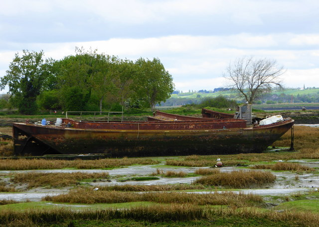 Wrecked boat in the Medway estuary by Horrid Hill