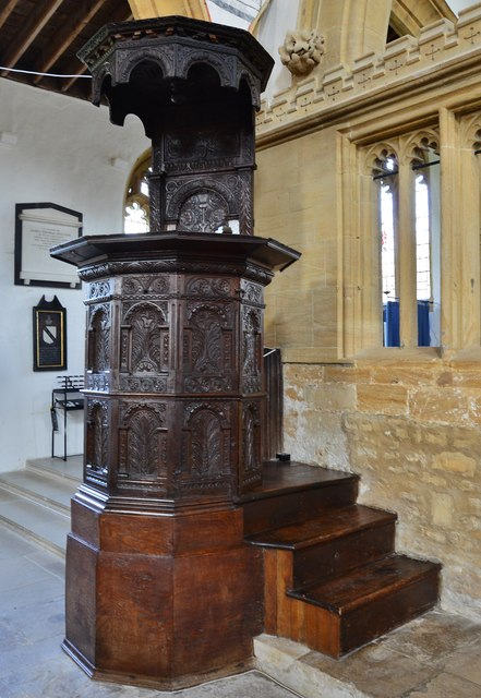 Cerne Abbas, St. Mary's Church: Richly carved oak pulpit of 1640 1