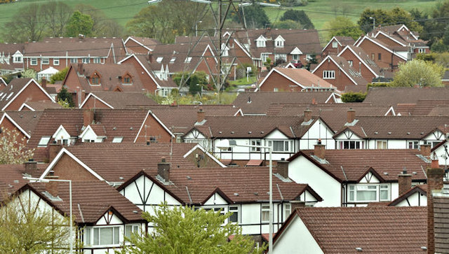 Suburban rooftops, Cairnshill, Belfast (April 2017)