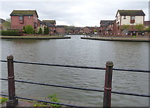 SO9691 : Tividale Quays Basin along the Birmingham Canal by Mat Fascione