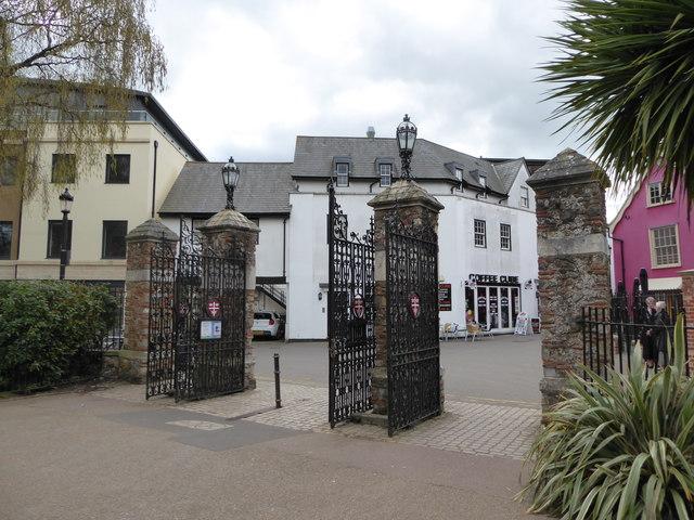 Side gates, Colchester Park