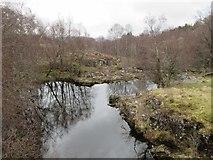 NN3578 : River Treig by Jennifer Jones