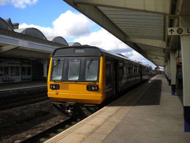 Nunthorpe train at Middlesbrough station