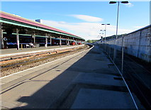 SS6593 : Platform 4, Swansea railway station by Jaggery