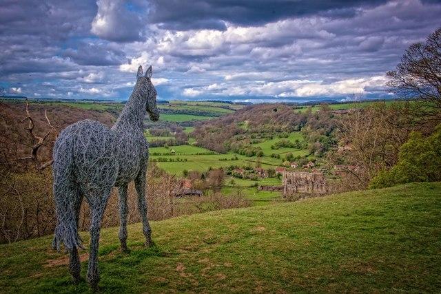 Rievaulx Terrace: Wire horse sculpture by Emma Stothard