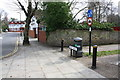 TQ1881 : West Walk cycle path/footpath junction by Roger Templeman