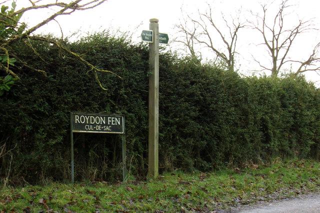 Roydon Fen sign & Footpath sign