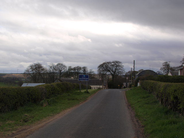 Entering Auldhouse at Crosshill