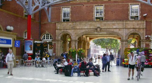 Marylebone station, concourse 2006