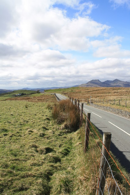 B4391 towards Llan Ffestiniog by Glen Denny
