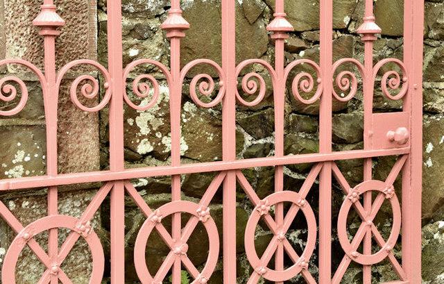 Cast-iron gate, Knockbreda (CoI) parish church, Belfast (April 2017)