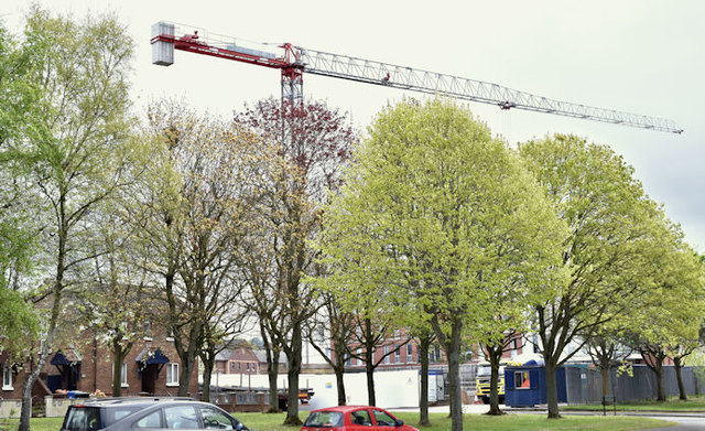 Builder's crane, The Embankment, Belfast (April 2017)