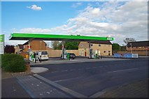 SP2806 : ASDA filling station (1), off Brize Norton Road, Carterton, Oxon by P L Chadwick