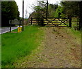 SN8443 : Wooden gate across a track at the northern edge of Carmarthenshire by Jaggery