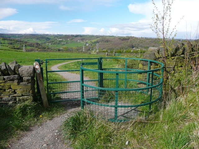 Gate on new footpath from Beacon Hill to Shibden Hall