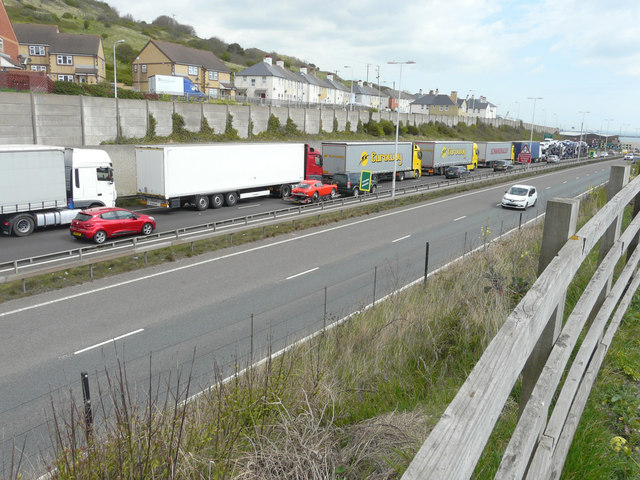 Controlled traffic hold-up on the A20