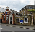 TQ1568 : Hälsa Chiropractic & Physiotherapy Clinic, East Molesey by Jaggery