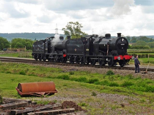 Pair of 4F locomotives run round the 'triangle' at Norton Fitzwarren