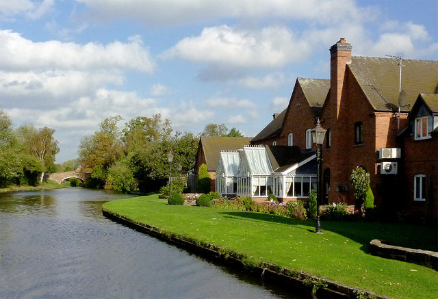 Canalside hotel near Acton Trussell in Staffordshire