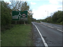 TM2130 : A120 approaching roundabout by JThomas