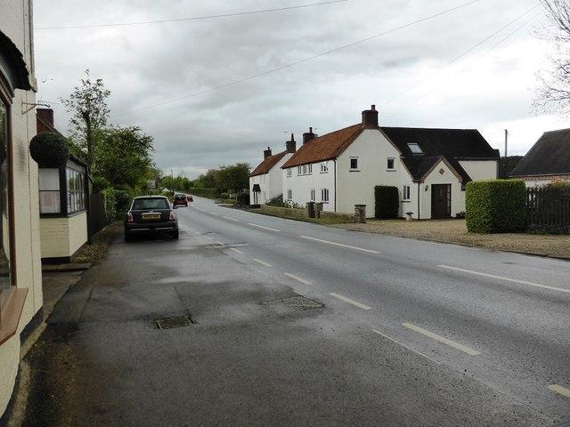 The road through Pillerton Priors
