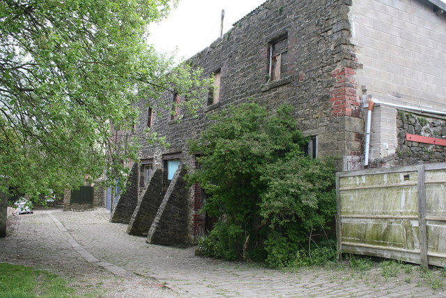 Barnoldswick: Behind Commercial Street