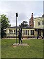SU8486 : Statue of Sir Steve Redgrave by Paul Gillett