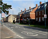 SO8005 : Start of the 20 zone, Bath Road, Stonehouse by Jaggery