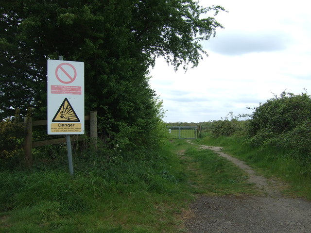 Farm track off Furneaux Lane