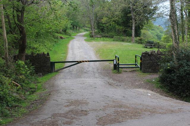 Entrance to Ynys Hywel Farm