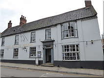 TG0738 : The King's Head, High Street by Basher Eyre